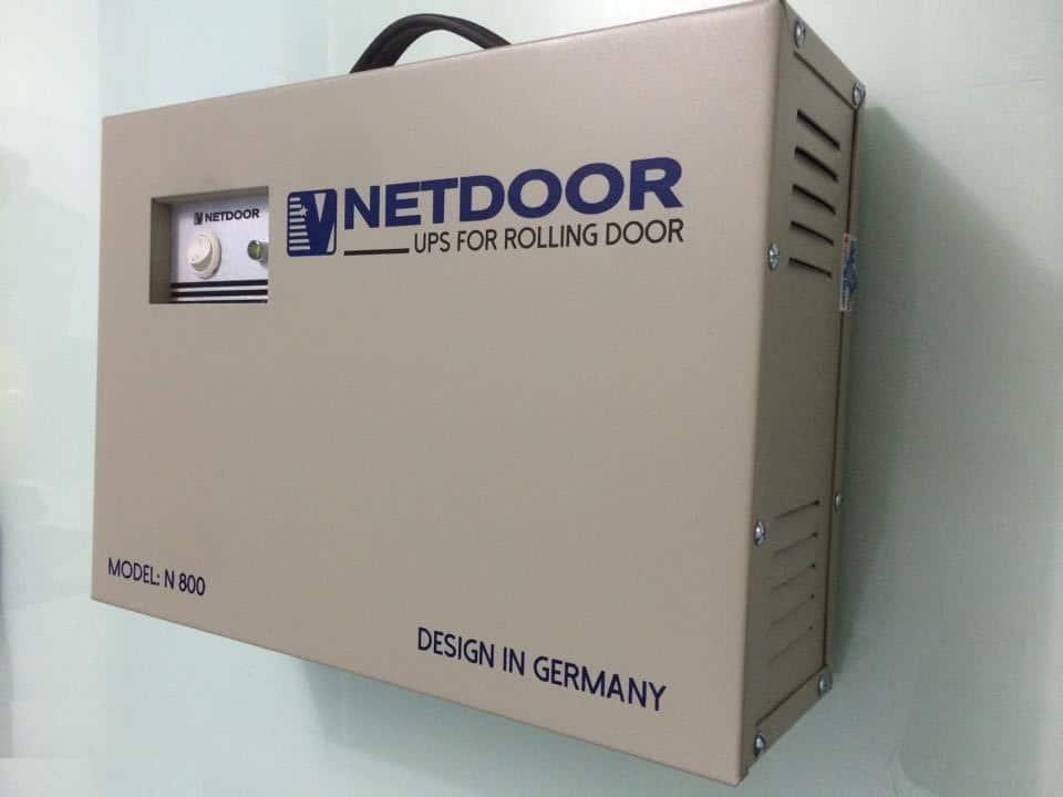 Sử dụng lưu điện cửa cuốn để mở cửa cuốn khi mất điện