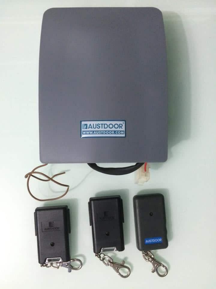 Hộp điều khiển cửa cuốn Austdoor chính hãng tại Hà Nội