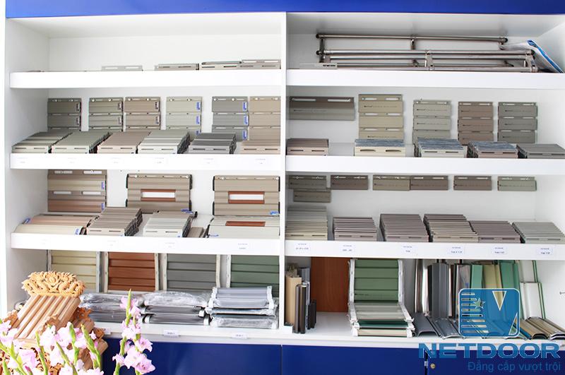 Mẫu cửa cuốn tại Showroom Sao Việt