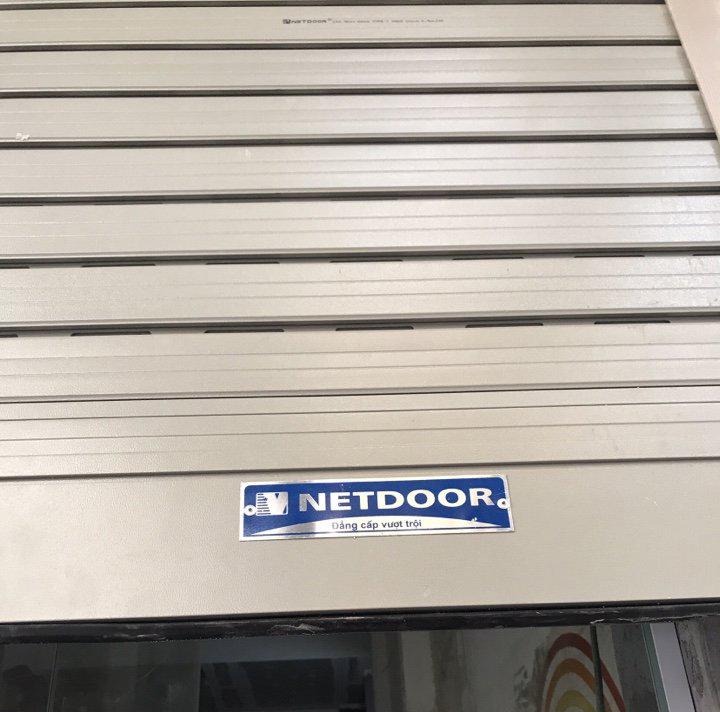 Lắp đặt bộ cửa cuốn khe thoáng