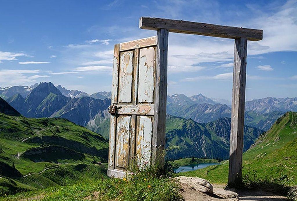 cửa khép