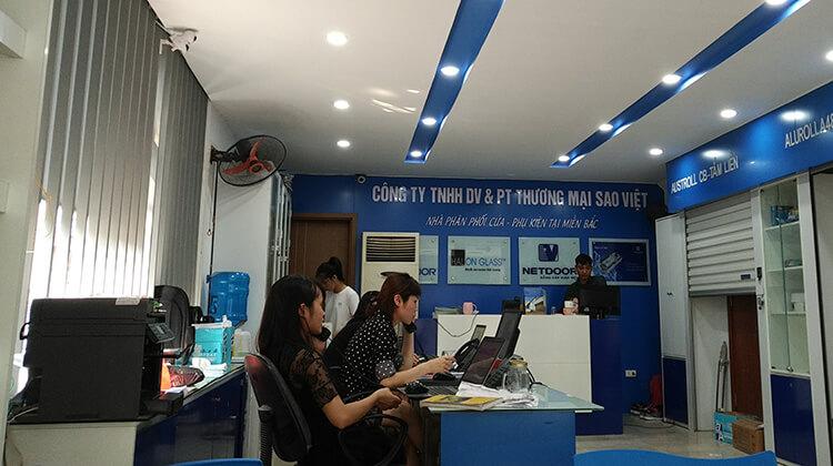 Showroom công ty cửa cuốn Sao Việt