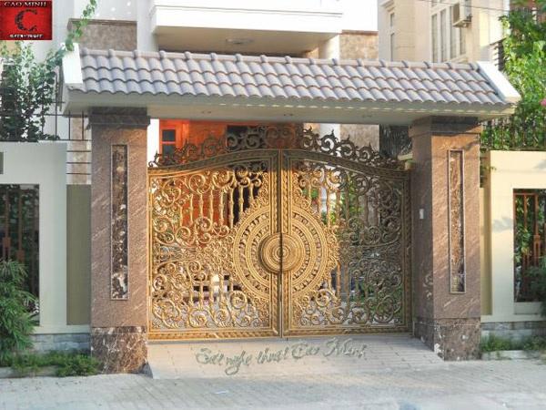 Mẫu cửa cổng đúc đẹp 3